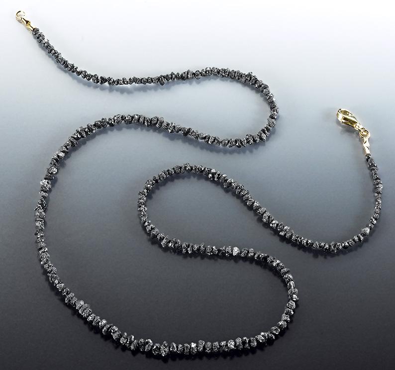 DIAMANTKETTE-schwarze-Rohdiamant-Edelsteinkette-Diamant-Rohkristalle-18ct